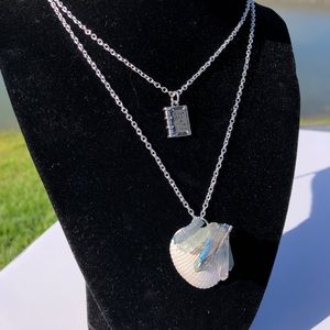 SavagelyChic | Iridescent Seashell Quartz Necklace